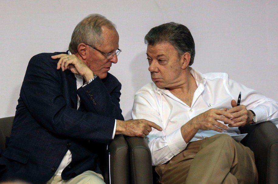 Dos grandes cerdos de postín; Santos y Kuczynski...