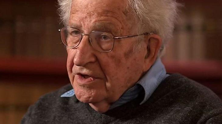 """Noam Chomsky, """"EE.UU. recurre al chantaje para alcanzar sus objetivos"""""""