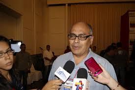 Ministro de Salud aumentó 1.642% a enfermeras