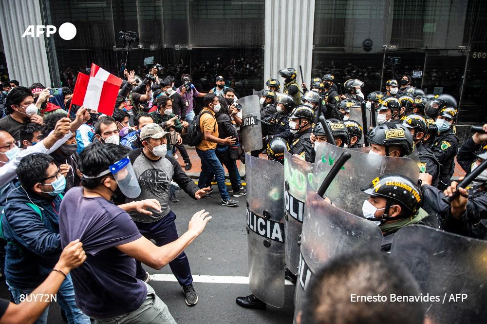 Los jóvenes en Perú, protagonistas de un giro histórico