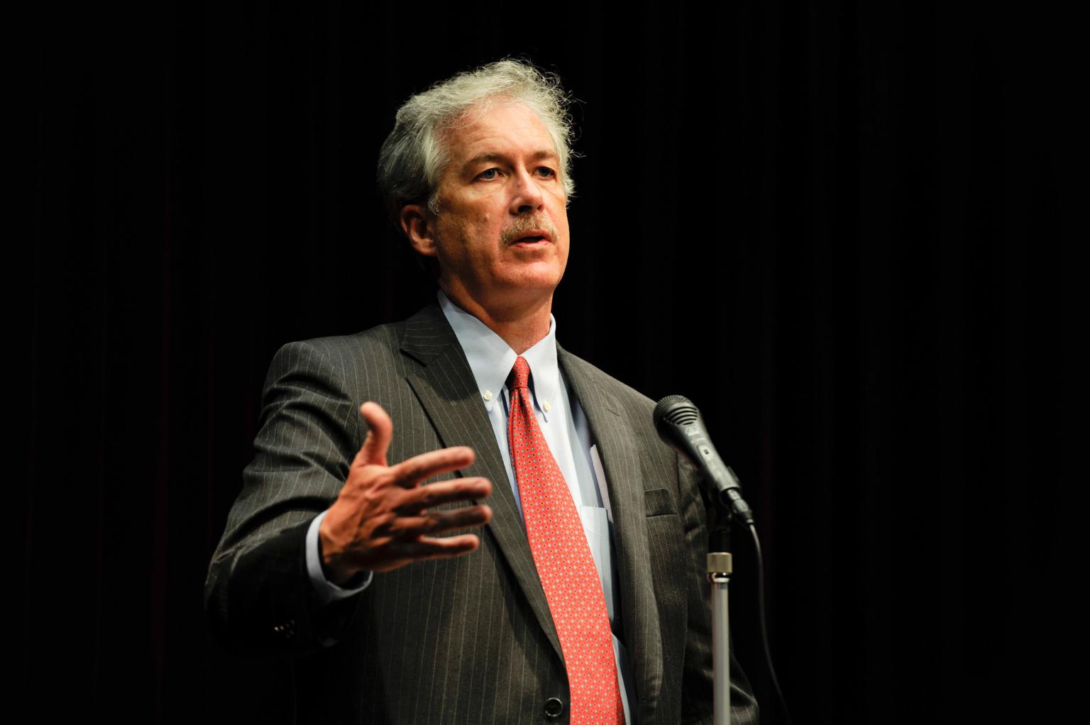 Aquí les presentamos al nuevo jefe de la CIA de Biden...: William Burns ...